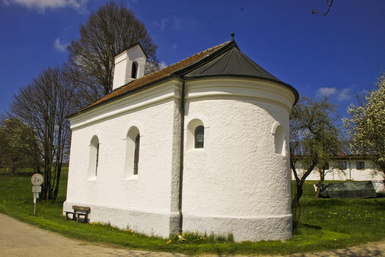 Weiße Kapelle bei Aufham